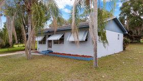 308 N Dixie Drive, Howey IN The Hills, FL 34737