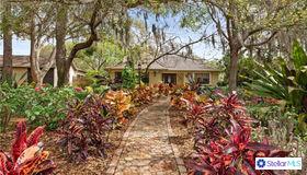538 Oleander Way S, St Petersburg, FL 33707