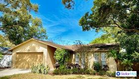 13747 Anona Heights Drive, Largo, FL 33774