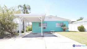 11370 2nd Street E, Treasure Island, FL 33706