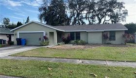 1305 Rustling Oaks Drive, Brandon, FL 33510