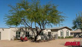4702 E Desert Cove Avenue, Phoenix, AZ 85028