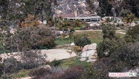 27253 Mountain Meadow Road, Escondido, CA 92026