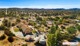19301 Paradise Mountain Rd, Valley Center, CA 92082