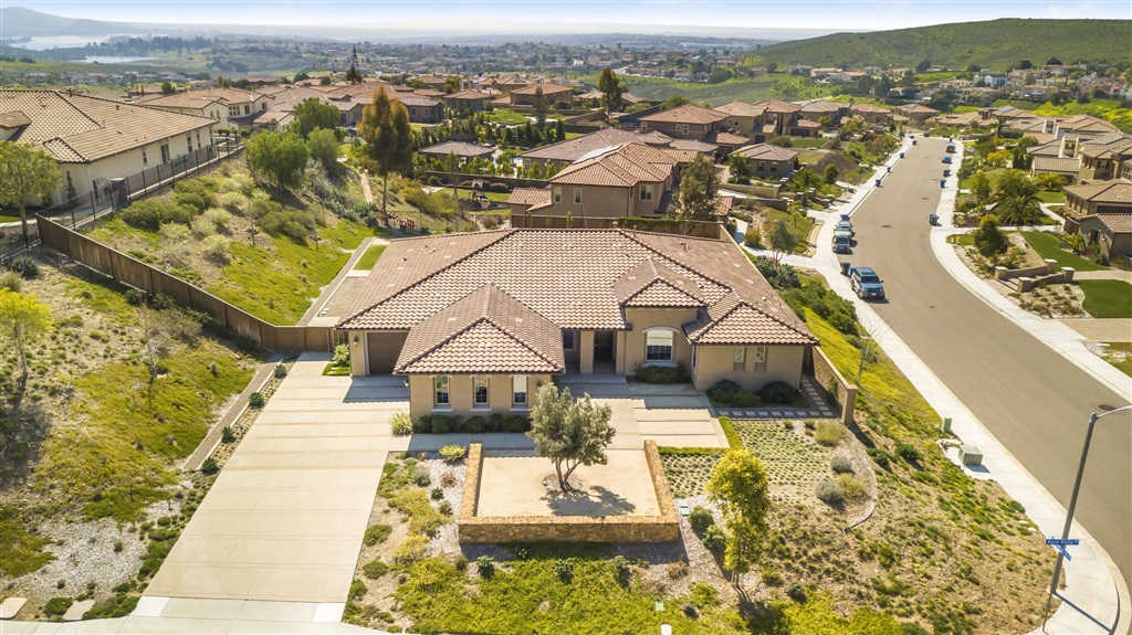 416 Agua Vista Dr, Chula Vista, CA 91914 is now new to the market!