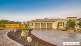 12884 Vineyard Crest Place, Lakeside, CA 92040
