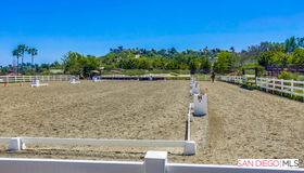 1084 Double ll Ranch Road, Encinitas, CA 92024