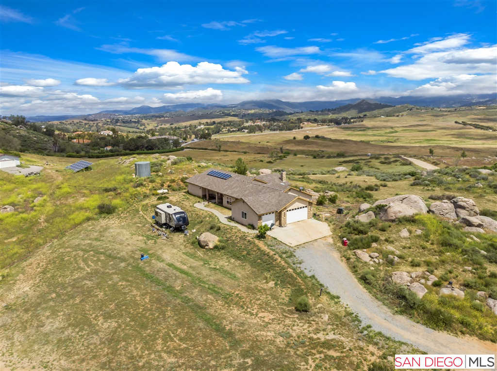 19560 Oak Mountain Rd, Ramona, CA 92065 now has a new price of $674,900!