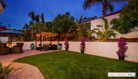 195 LA Mesa Avenue, Encinitas, CA 92024
