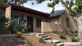 8696 Wahl St, Santee, CA 92071