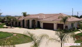 14249 White Star Ln, Valley Center, CA 92082