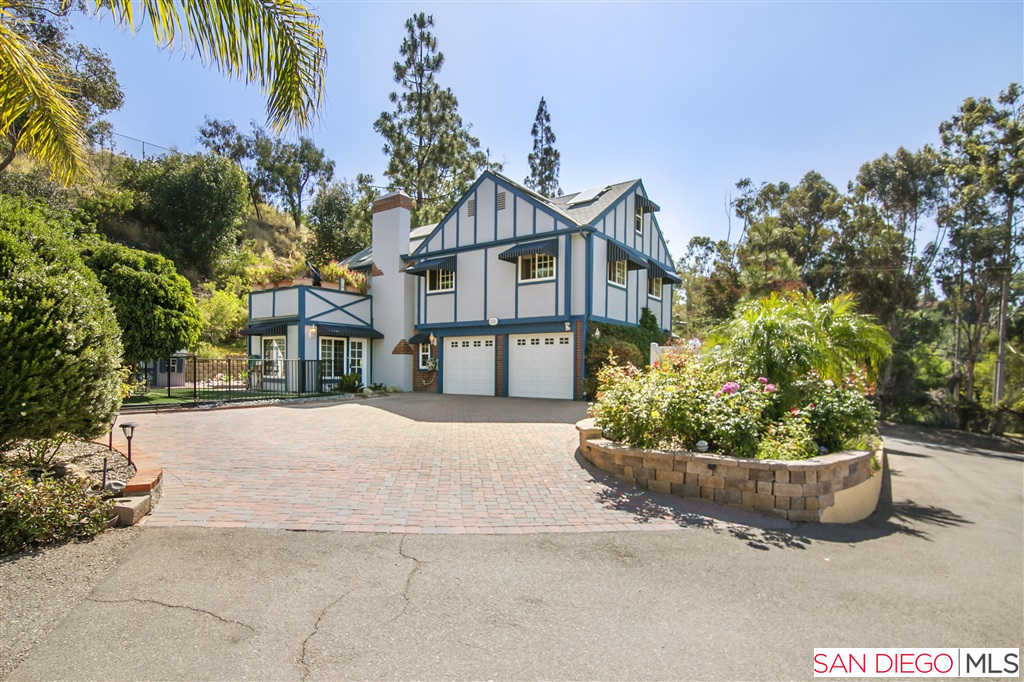 9680 Casa De La Torre Ct, Spring Valley, CA 91977 is now new to the market!