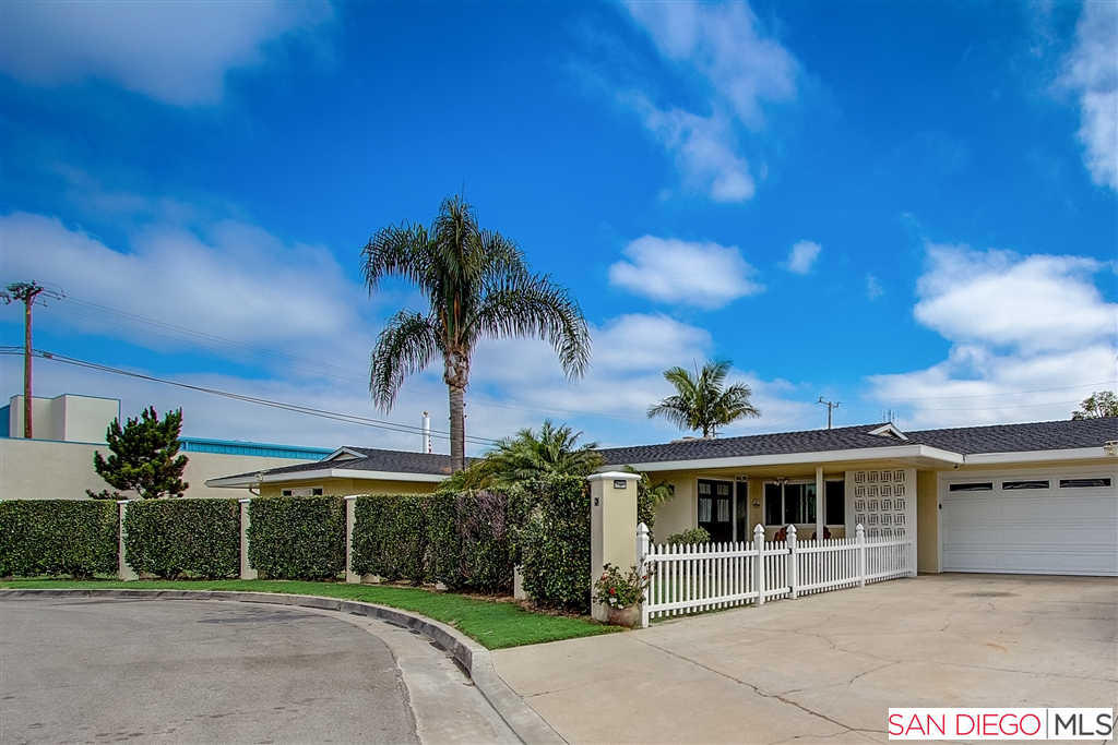 124 Melody Ln, Costa Mesa, CA 92627 now has a new price of $969,900!