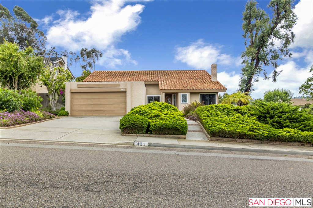 1421 Valleda Ln, Encinitas, CA 92024 is now new to the market!