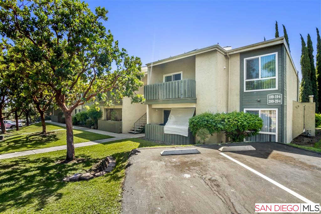 830 W Lincoln Ave, Escondido, CA 92026 is now new to the market!