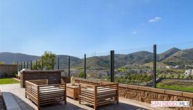 2761 Overlook Point Dr., Escondido, CA 92029