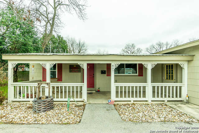 807 Main St, Schertz, TX 78154-2150 is now new to the market!