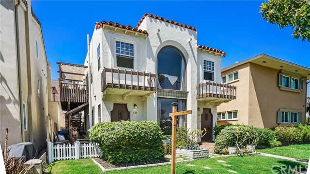 129  Park  Avenue Long Beach, CA 90803 is now new to the market!