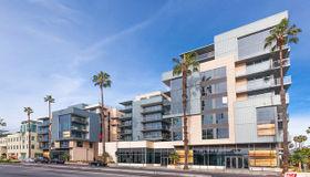 1755 Ocean #304, Santa Monica, CA 90401