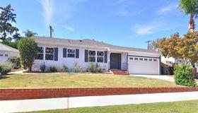 8847 Chimineas Avenue, Northridge, CA 91325