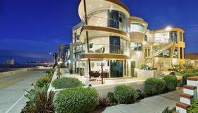 3675 Ocean Front Walk, San Diego, CA 92109