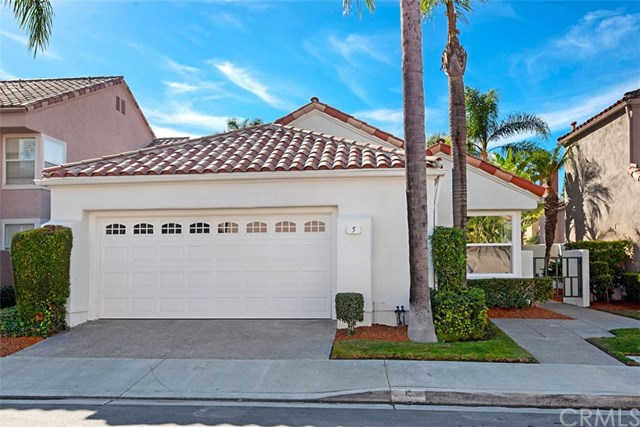 5  Tiara Irvine, CA 92614 is now new to the market!