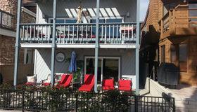 410 E Oceanfront, Newport Beach, CA 92661
