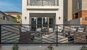 623 13th Street, Huntington Beach, CA 92648