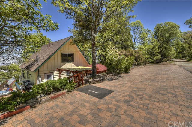 1407 Yosemite Drive, Lake Arrowhead, CA 92352 now has a new price of $320,000!