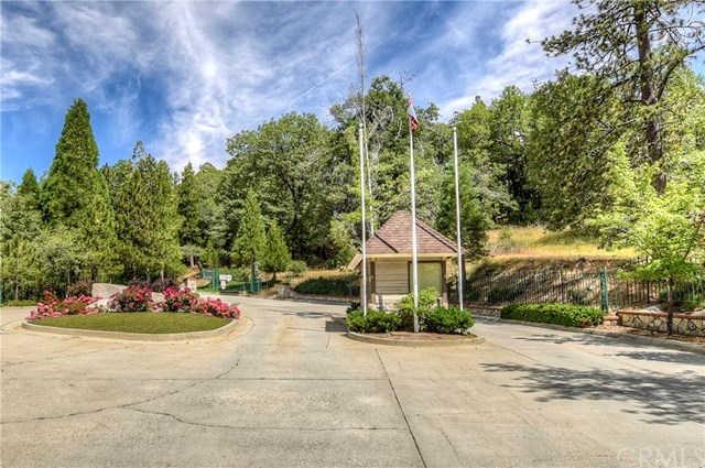 27546 Ashwood Lane, Lake Arrowhead, CA 92352 now has a new price of $349,000!