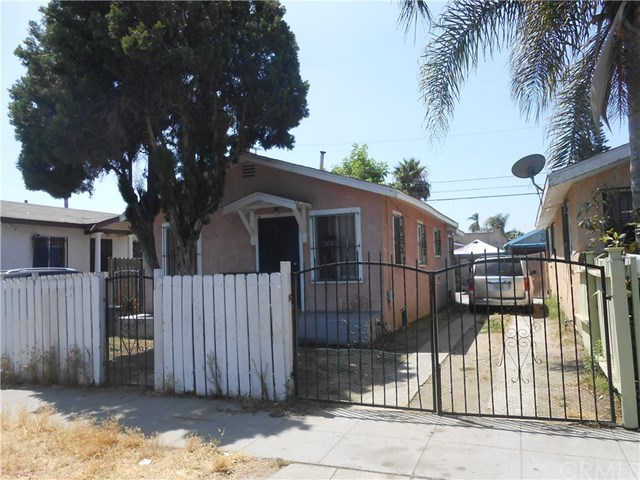 1014 W 65th Place, Los Angeles, CA 90044 is now new to the market!