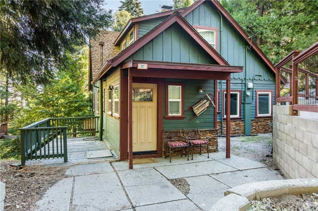 717 Crest Estates Drive, Lake Arrowhead, CA 92352 now has a new price of $545,000!