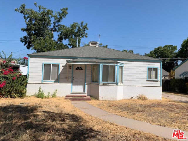 1050 E Sycamore Avenue, Tulare, CA 93274 now has a new price of $160,000!