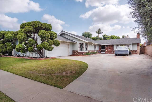12032 Wallingsford Road, Rossmoor, CA 90720 is now new to the market!