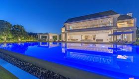 2571 Wallingford Drive, Beverly Hills, CA 90210