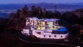 2710 Bowmont Drive, Beverly Hills, CA 90210
