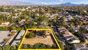 5511 Ethel Avenue, Sherman Oaks, CA 91401