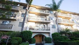 5400 Lindley Avenue #221, Encino, CA 91316