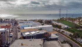 500 Rosecrans Avenue, Manhattan Beach, CA 90266