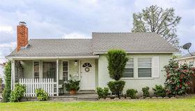 780 E 7th Street, Upland, CA 91786