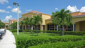 4953 Le Chalet Boulevard, Boynton Beach, FL 33436