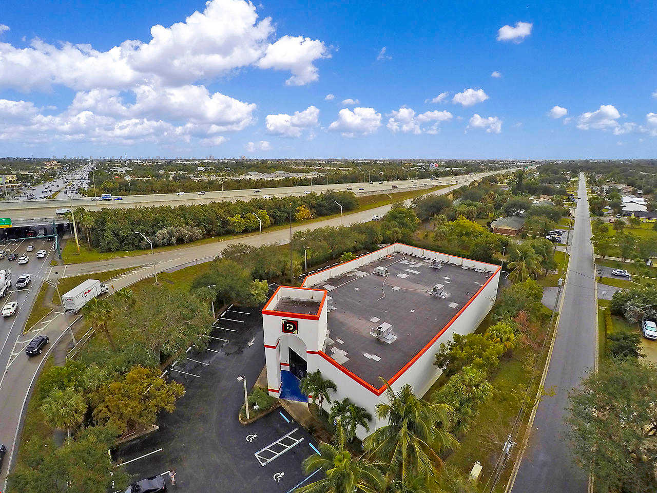 4074 Northlake Boulevard, Palm Beach Gardens, FL 33410 is now new to the market!