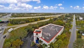 4074 Northlake Boulevard, Palm Beach Gardens, FL 33410