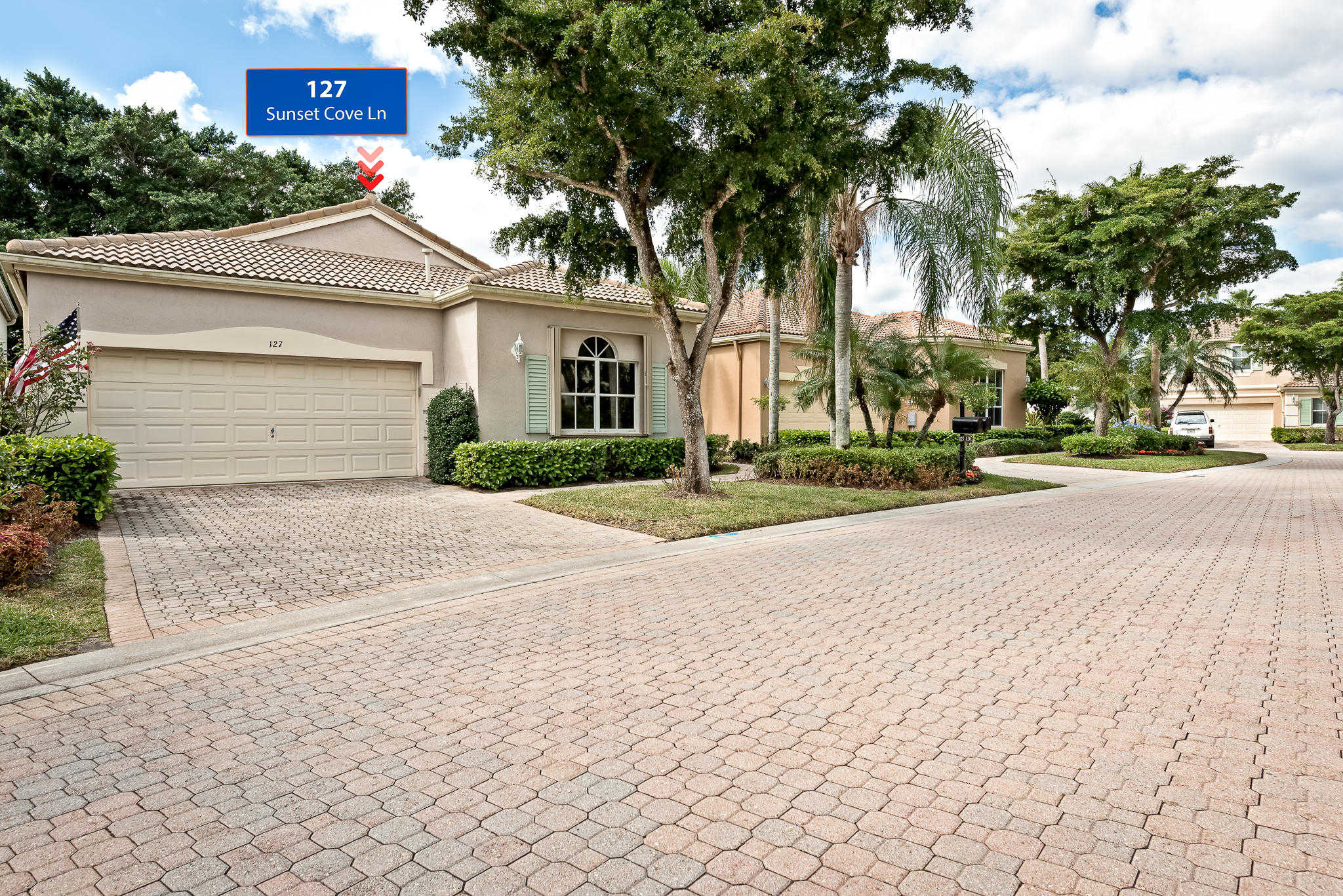 127 Sunset Cove Lane, Palm Beach Gardens, FL 33418 is now new to the market!