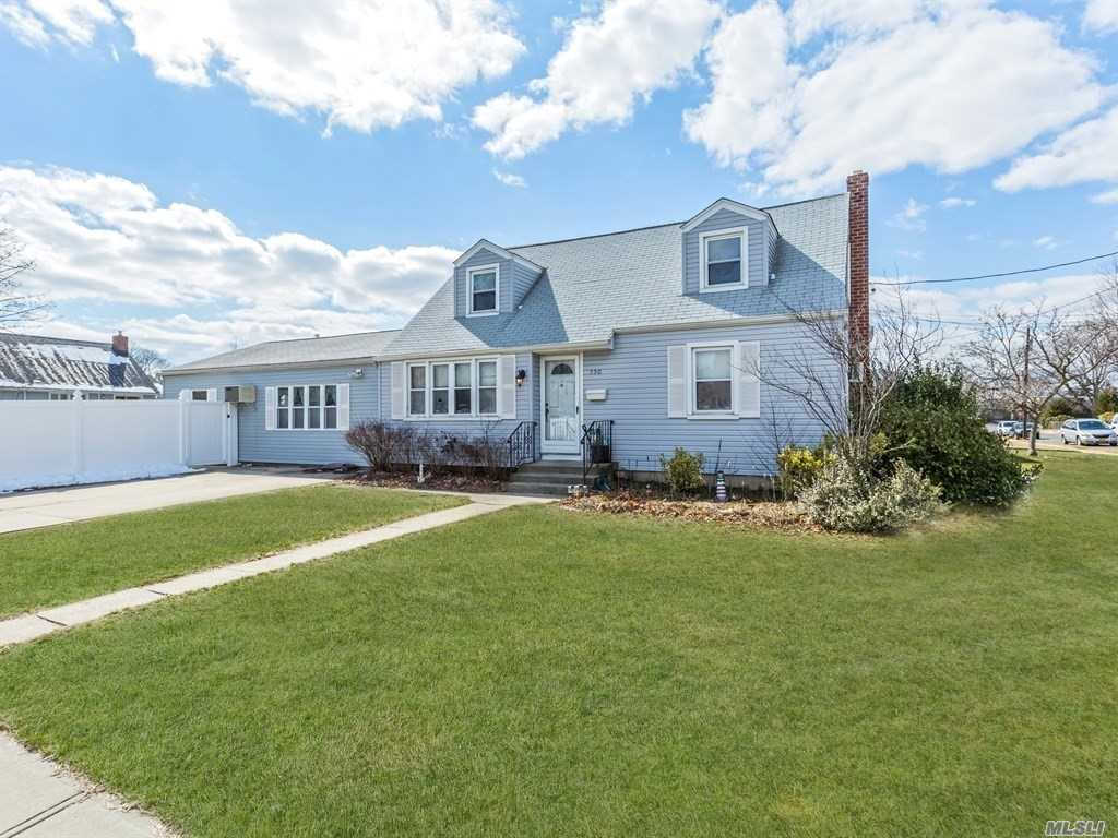 Another Property Sold - 550  17th  St W. Babylon, NY