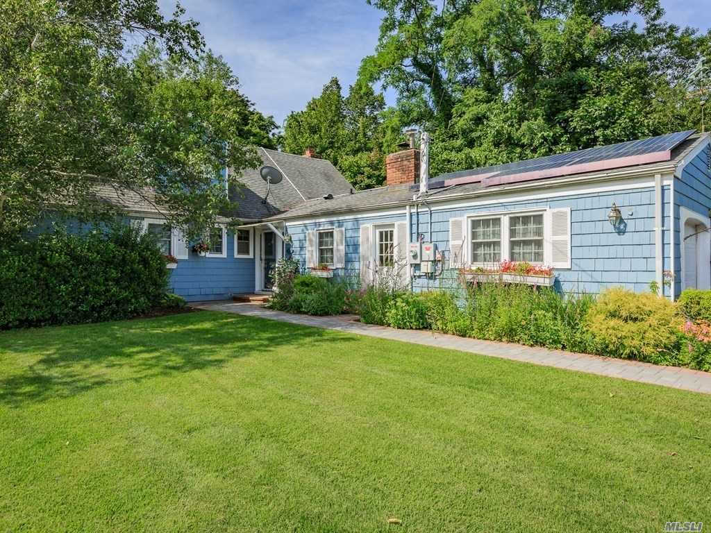 27  Harbour  Rd Babylon, NY 11702 is now new to the market!