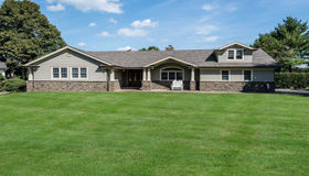 241 Willetts Ln, West Islip, NY 11795