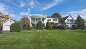 251 Willetts Ln, West Islip, NY 11795