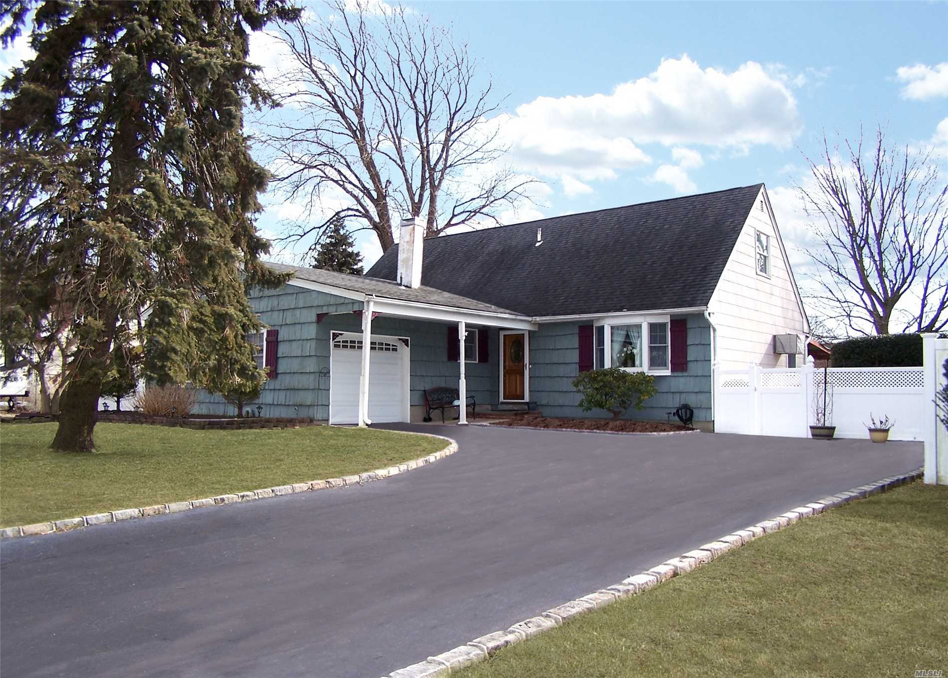 Another Property Sold - 40 Mark Dr, Holbrook, NY 11741