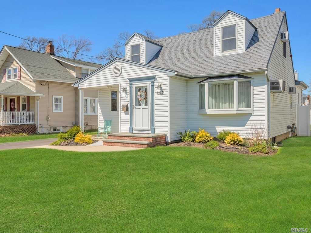 297 George St, West Islip, NY 11795 has an Open House on  Friday, April 26, 2019 12:30 PM to 2:00 PM